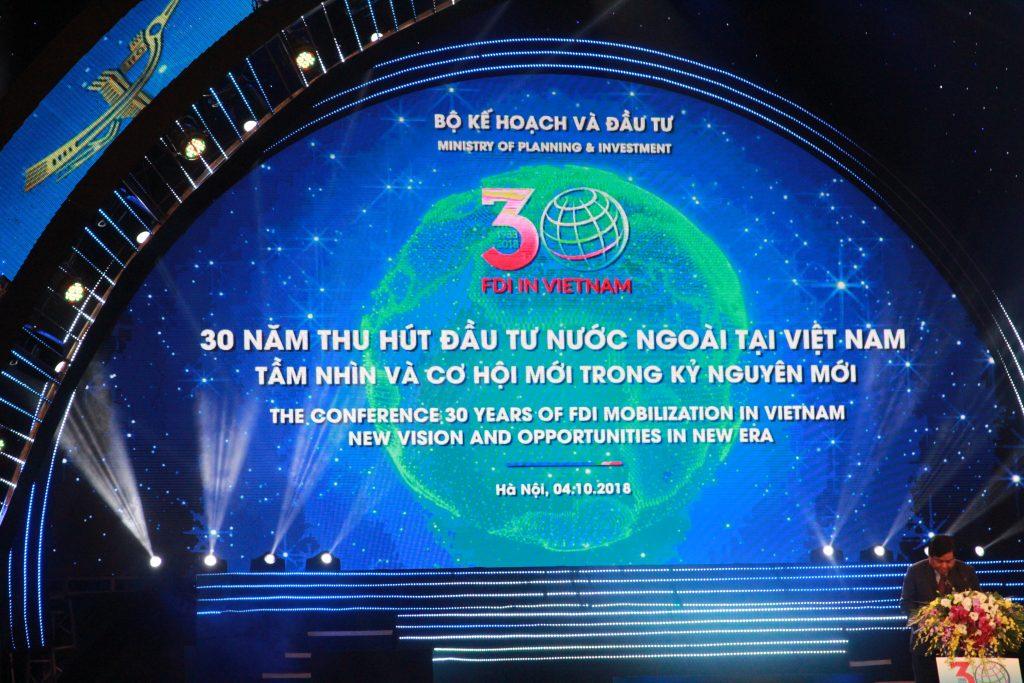 ベトナム投資(FDI)への貢献で、ベカメックス東急はフック首相から表彰されました
