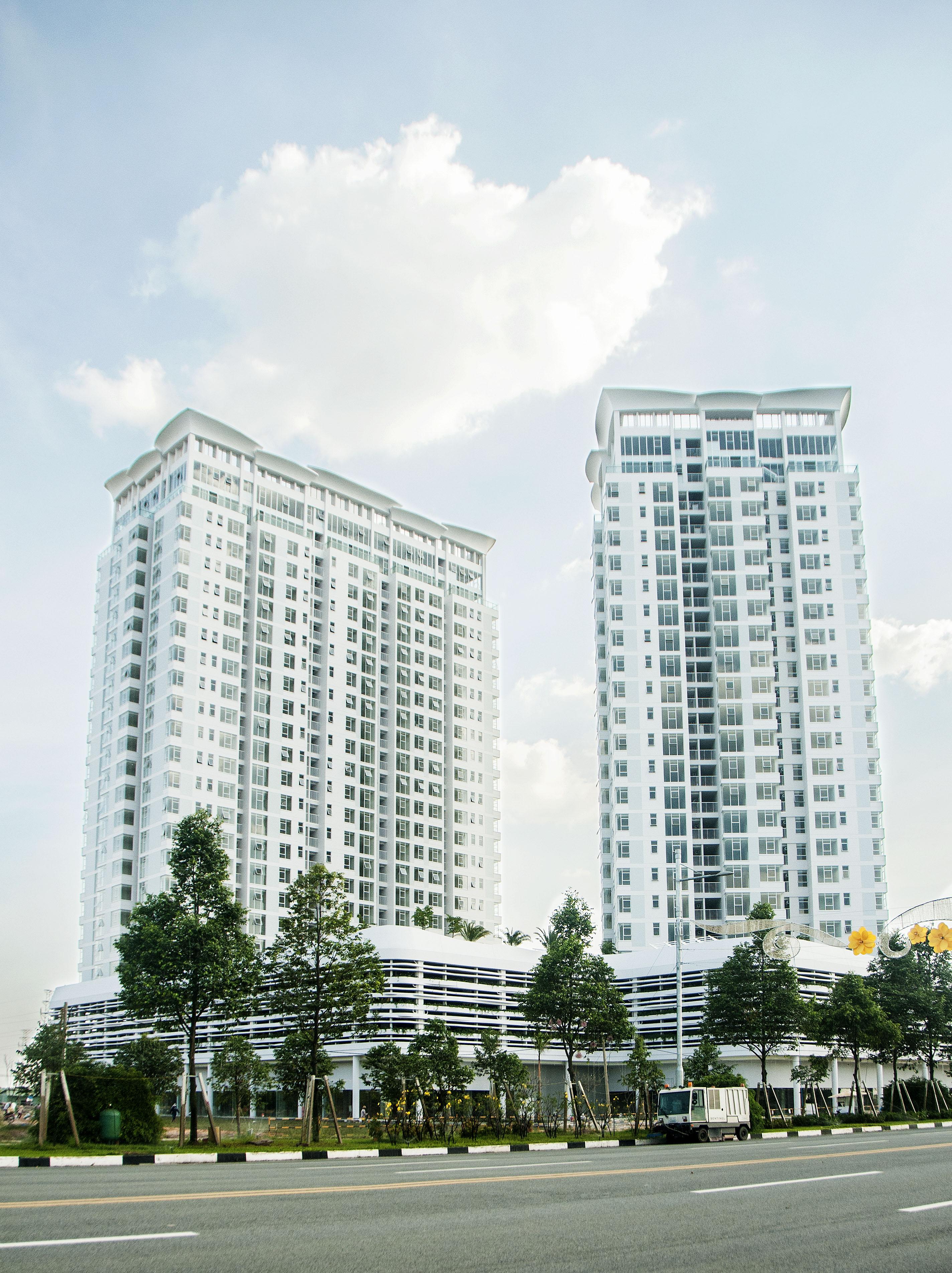 Sự kiện hoàn thành Tòa nhà căn hộ cao tầng SORA gardens 1 đã được tổ chức long trọng vào ngày 24 tháng 3 năm 2015; các hạng mục như tiền sảnh, nhà khách tại tầng trên cùng, căn hộ hoàn thiện bàn giao cho khách và khu sân vườn tại tầng 4 với hồ bơi đã được giới thiệu và rất nhiều khách tham quan đã đón nhận.